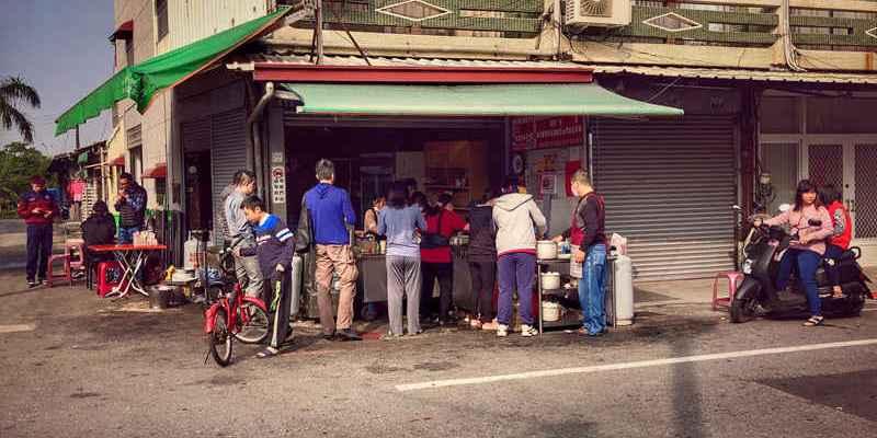 台南新營美食│網路沒資料的無名早餐店/自產自銷/超強鮮奶饅頭/熟客才知道