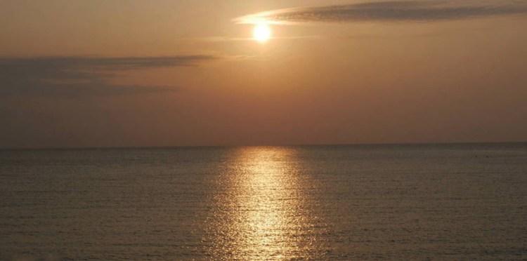 台南安平區景點》看海踏浪賞落日~不僅有夕陽美景,也是看流星雨的最佳觀星場所!