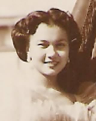 Doris Flor was the bride of Ignacio Emil Aspillera Calleja.