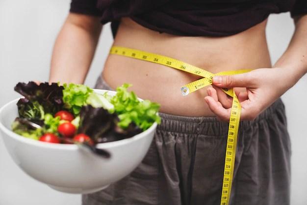mulher-medindo-dela-barriga-e-peso_53876-13564.jpg?size=626&ext=jpg&ga=GA1.2.890310161 Como perder barriga em menos de um mês