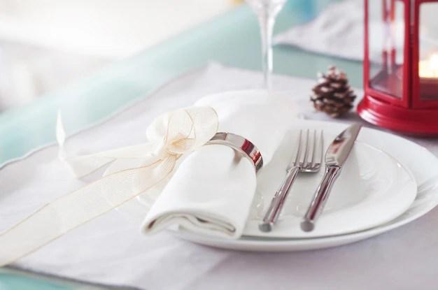 Dukat bord med bestick