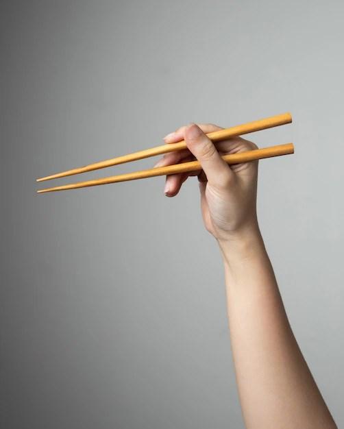 Comment Tenir Des Baguettes Chinoises : comment, tenir, baguettes, chinoises, Comment, Utiliser, Baguettes., Cuisine, Orientale., Vecteur, Premium