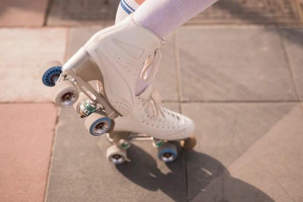 patins a roulettes vintage blancs