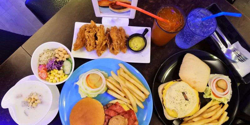 台南東區【AngryBurger美式餐廳】巷子內的美式漢堡餐廳.大嗑漢堡&無限暢飲的自在氛圍│投影設備│包場活動│南紡購物中心│東安路美食