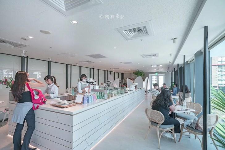 DSC07386 - 熱血採訪│台中最美窗景甜點咖啡館,欣賞七期夏綠地美景,隱藏台中國家歌劇院的堁夏咖啡Cafe Crotchet