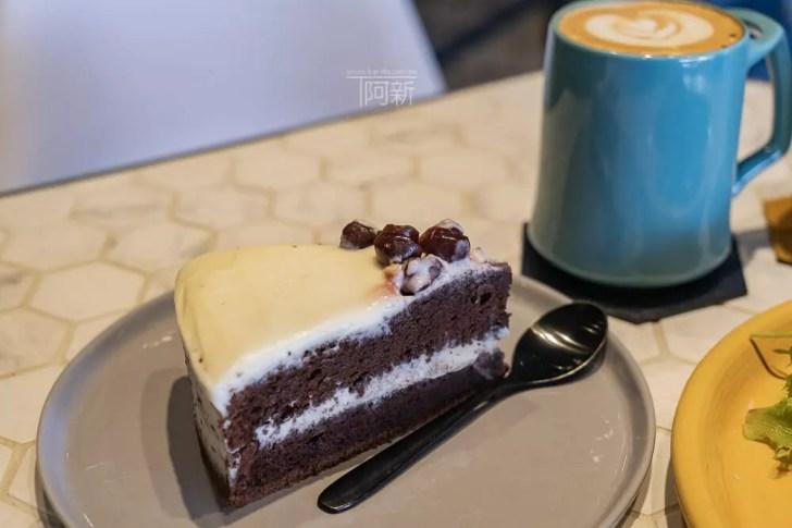 DSC06948 - Pluto Espressoria|台中南屯咖啡館,深藍色系搭寬敞空間,工業風環境超好拍。