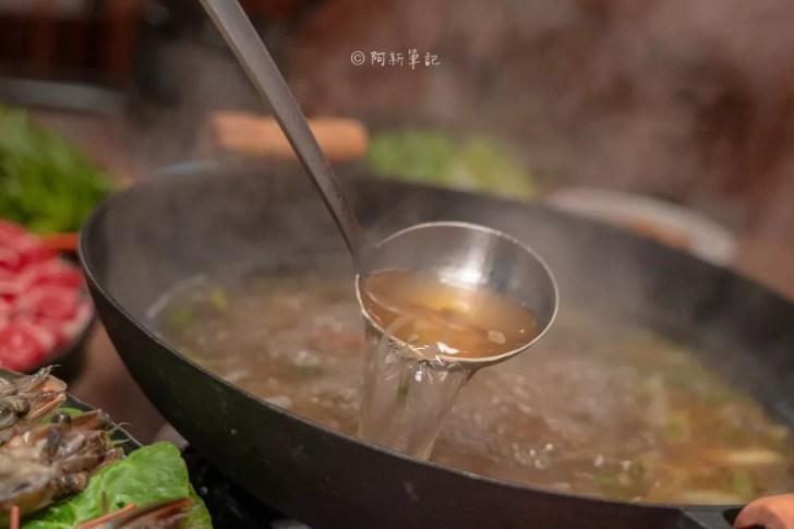 DSC09424 - 熱血採訪│台中營業到凌晨三點的火鍋店!宵夜場直接3倍肉量1斤優惠價,就在韋爐復刻食鍋