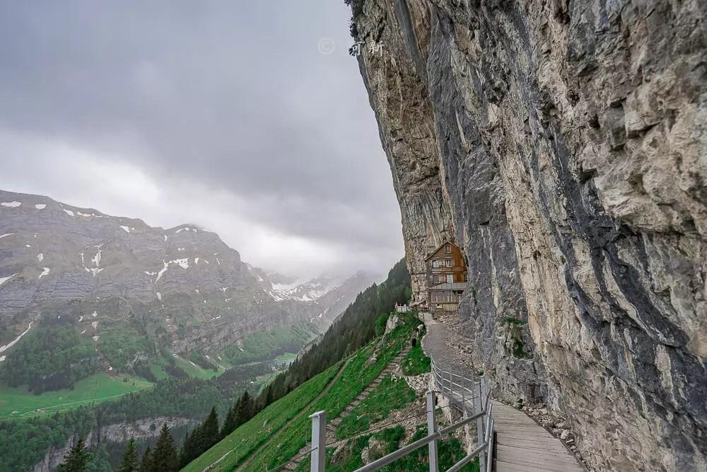 Berggasthaus Aescher,瑞士懸崖餐廳Berggasthaus Aescher Wildkirchli,瑞士懸崖餐廳,Berggasthaus Aescher Wildkirchli,瑞士山崖餐廳-68