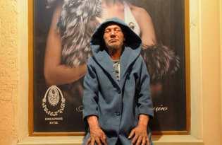 [時尚服裝]烏克蘭流浪大叔的街頭穿搭秀