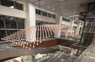 [裝置藝術]新加坡樟宜機場水滴藝術-Kinetic Rain