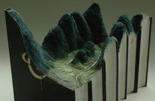 [工藝設計]書本紙雕裝置藝術