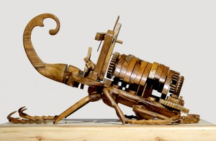 [設計工藝]印尼出品「木作機械昆蟲裝置藝術」