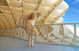 [視覺傳達]人體模仿建築時裝藝術