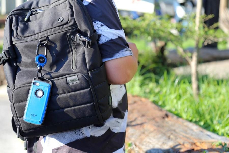 ROOT CO.x攜帶電話 GRAVITY Pro + MAGREEL 360 來自日本富士山腳下的登山系風格手機殼+手機掛勾,山林系配色低調質感,紅藍黃亮色系搶眼個性 讓手機輕鬆變成時尚配件/軍規防摔保護殼