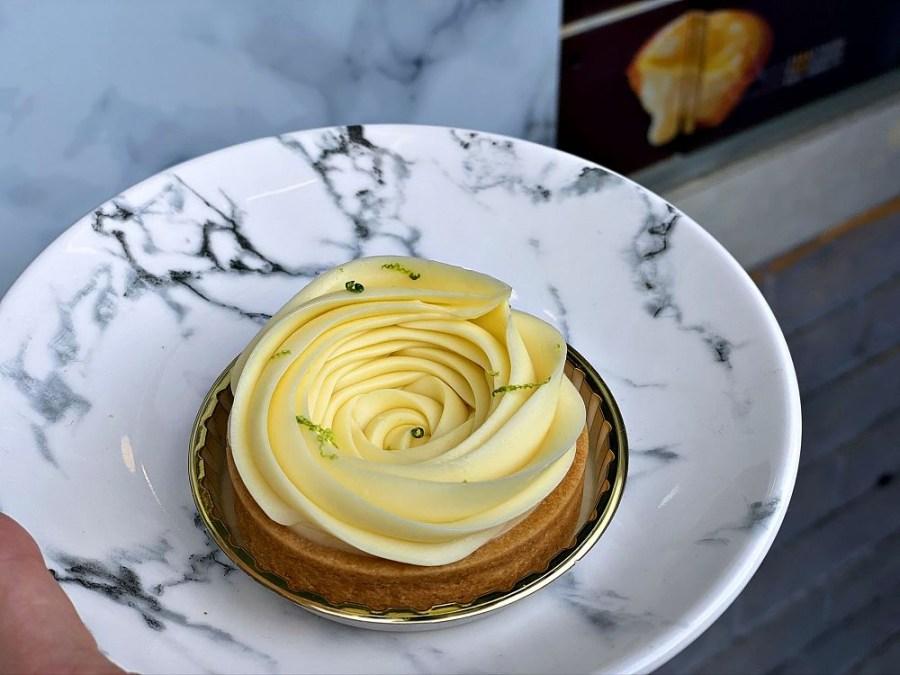 吻鑽糖 半熟乳酪塔 專門店:玫瑰花造型的檸檬塔,酸甜迷人滋味~讓人一吃就上癮~
