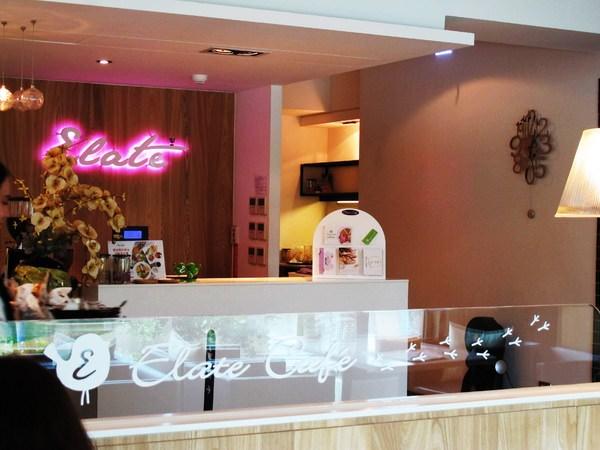 (台南。安平區美食)『依蕾特咖啡 Elate Café』超美味的精美鬆餅。河畔甜點店。(已歇業)