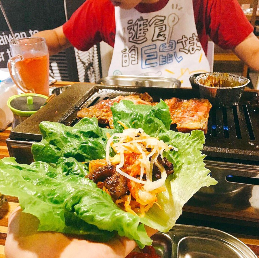 美豚 Vuitton 林森總店:源自日本!美味又健康的生菜包肉,五種蔬菜無限供應,讓你吃得滿足又開心: )