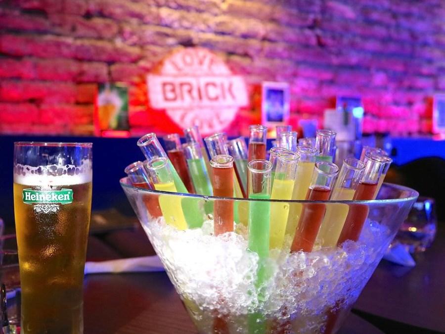 Brick磚塊:台南正興街慶生運動酒吧,慶生送試管酒 無菸lounge bar/百年老屋