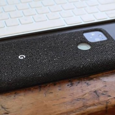 How to Wirelessly Charge Other Devices with Your Pixel 5