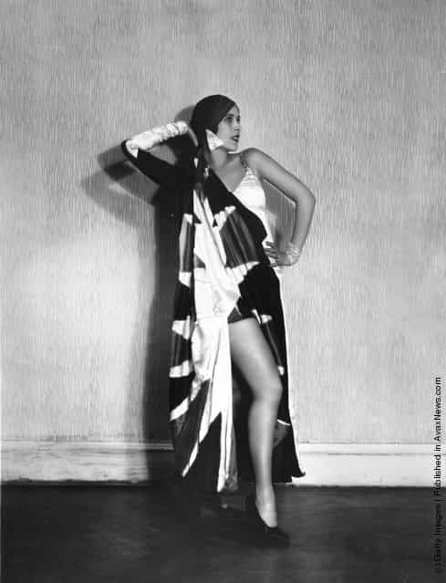 Russian-American cabaret and ballet dancer Kyra Alanova