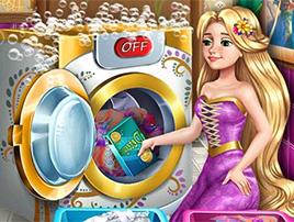 لعبة باربي وغسل الملابس بالغساله