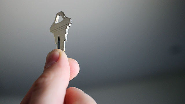 Shloosl Copies Your House Keys Using a Smartphone Photograph