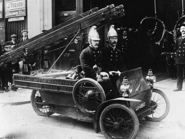Strange Snapshots Of Police and Emergency Services From the Past