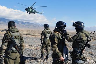 Бойцы спецназа Национальной гвардии Киргизии во время совместных тактических учений «Рубеж-2016», 2016 год
