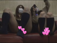 【個撮】カラオケで現役のギャルたまごちゃん2人組とヤバすぎるパンチラ映像(2)