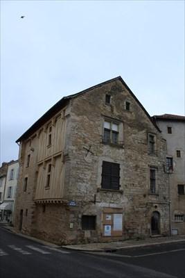 Maison à Pan De Bois : maison, Maison, Charroux,, France, Monuments, Historiques, Français, Waymarking.com