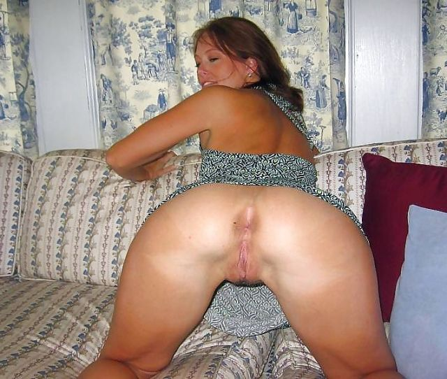 Open Minded Milf Spreading Her Nice Pussy