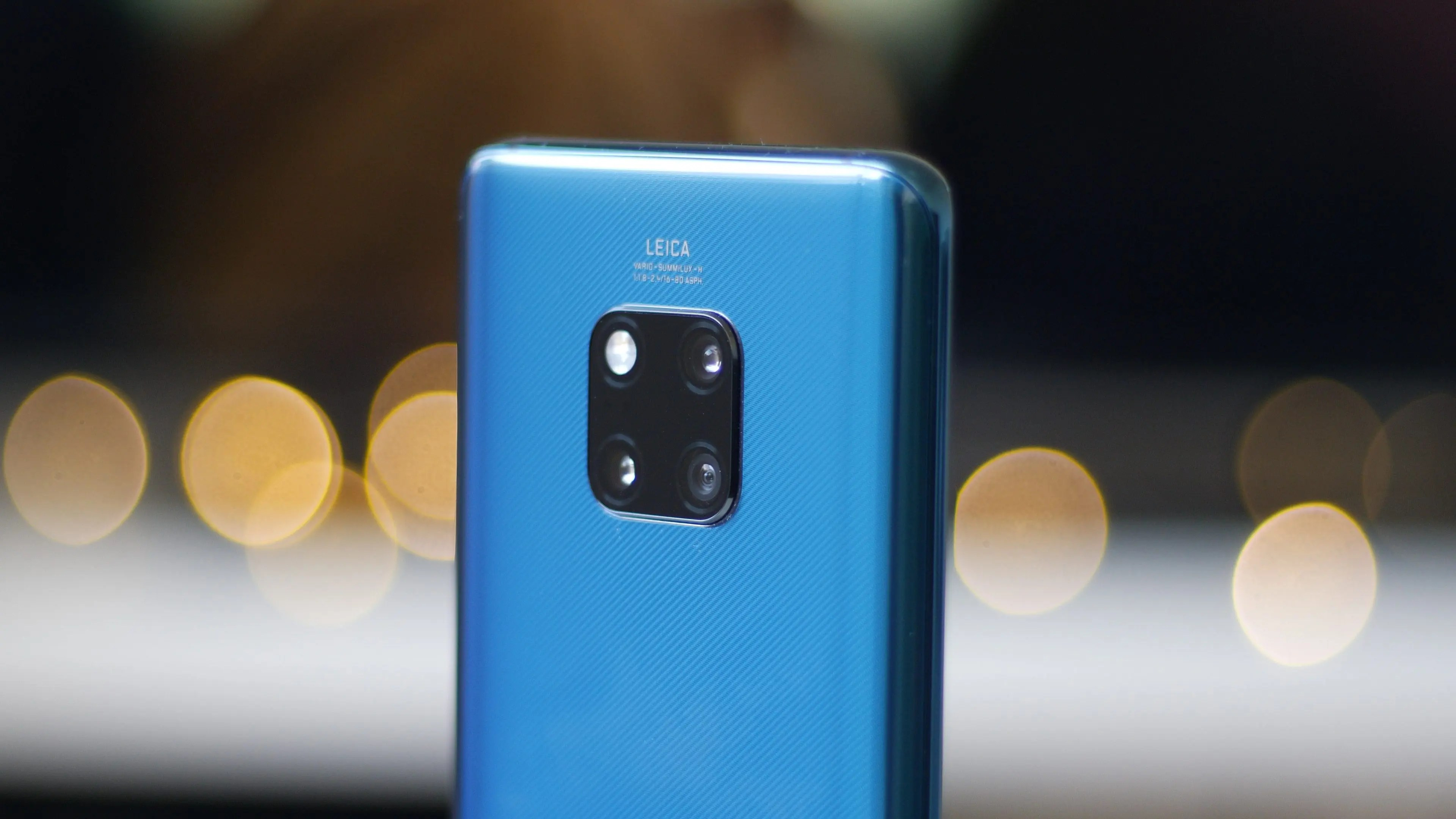 Huawei's Mate 20 Pro is breaking records for European pre-orders