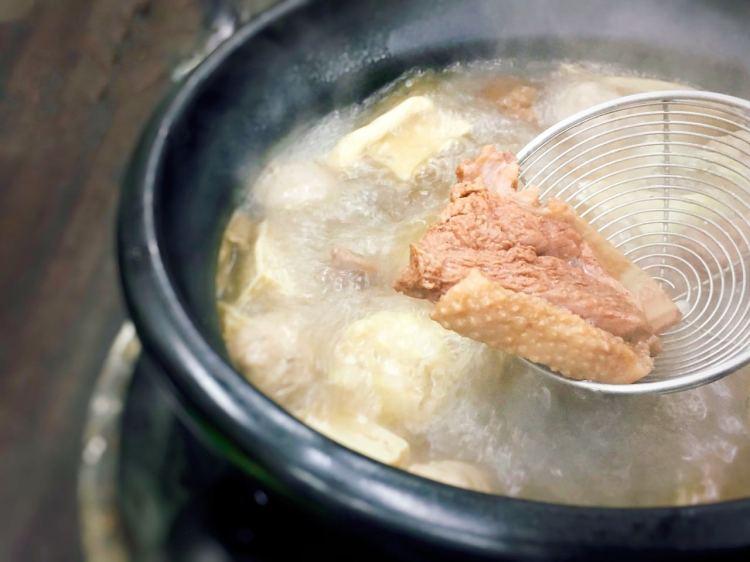 淡水漁人碼頭薑母鴨火鍋 》沙崙薑母鴨王  | New Taipei City Ginger Duck