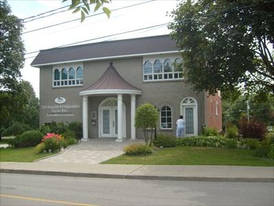 Salon Guay lpiphanieQc  Funeral Homes on Waymarkingcom