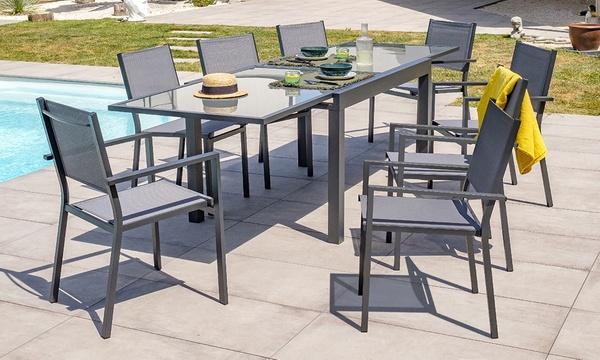 table de jardin avec chaises et ou fauteuils en option