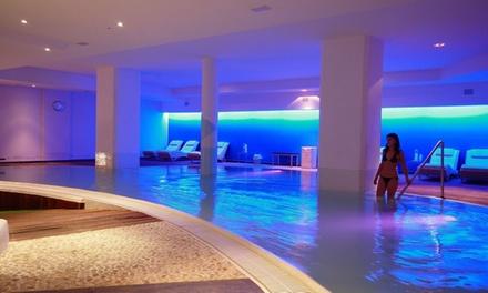 Ingresso di coppia in Spa, con percorso Kneipp e massaggio, più camera in day use al centro benessere Four Roses