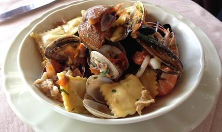 Menu di pesce con vino per 2 o 4 persone sul lungomare di Rapallo al Ristorante Monique (sconto fino a 56%)