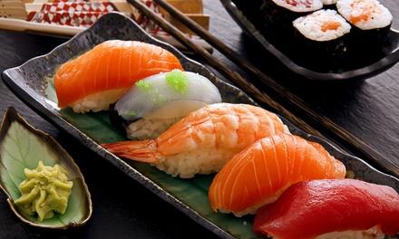 Menu sushi con barca da 42 o 84 pezzi misti più birra Asahi per 2 o 4 persone da Fuji Restaurant (sconto 65%)