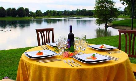 Menu di terra e di mare con calice di vino per 2 o 4 persone al ristorante Lago La Sirenetta (sconto fino a 36%)