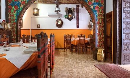 Menu indiano vegetariano o di carne per 2 persone al ristorante Taj Mahal in zona porta S. Felice