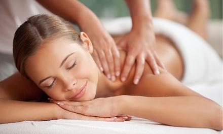 3 o 6 massaggi da 50 minuti a scelta più trattamento al centro Estetika e Benessere (sconto fino a 85%)