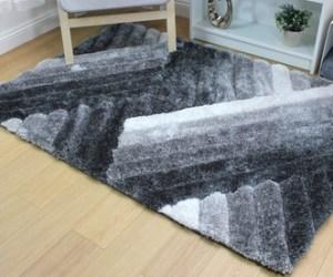 Hochflor-Teppich mit Seidenhaptik im Modell und in der Größe nach Wahl