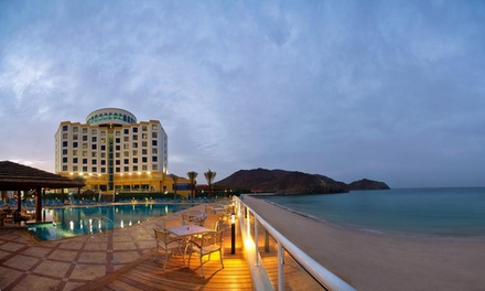 Khor Fakkan: 1 2 Nights for Four with Breakfast or Half Board and Leisure Access at 4* Oceanic Khorfakkan Resort & Spa