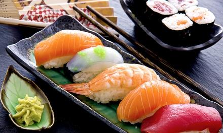 Sushi Box da 50 o 100 pezzi di sushi da asporto in centro città da Home Lake Restaurant (sconto fino a 55%)
