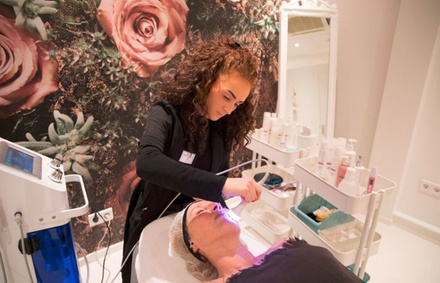 Schoonheidsinstituut Dream Body Helmond: Beautybar gezichtsbehandeling naar keuze