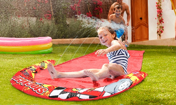 tapis de glisse geant avec jet d eau benross