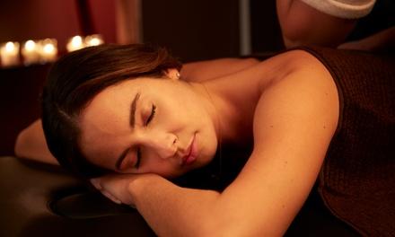 2 o 4 massaggi a scelta più uno o 2 trattamenti Reiki (sconto fino a 75%)