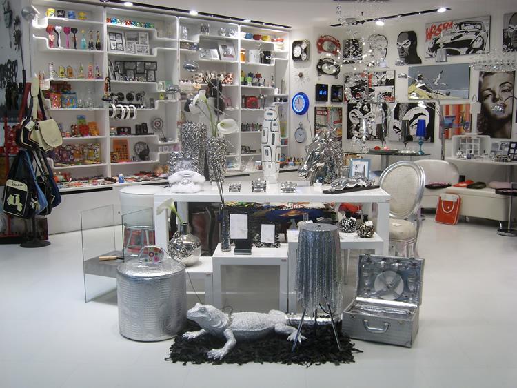 Design casa 5 negozi low cost a Roma