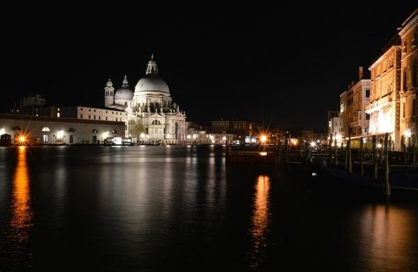 Tre zone di Venezia famose per la vita notturna