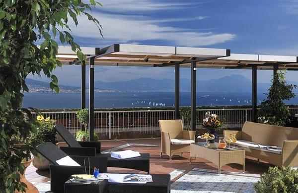 Napoli 5 locali con terrazza indimenticabili